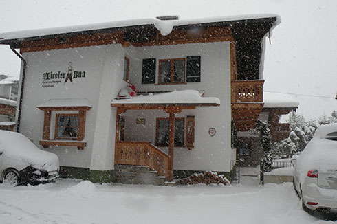 Tiroler Bua im Winter